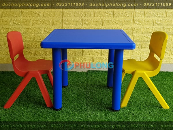 ban-ghe-nhua-cho-be-nhap-khau-pl0102-blue