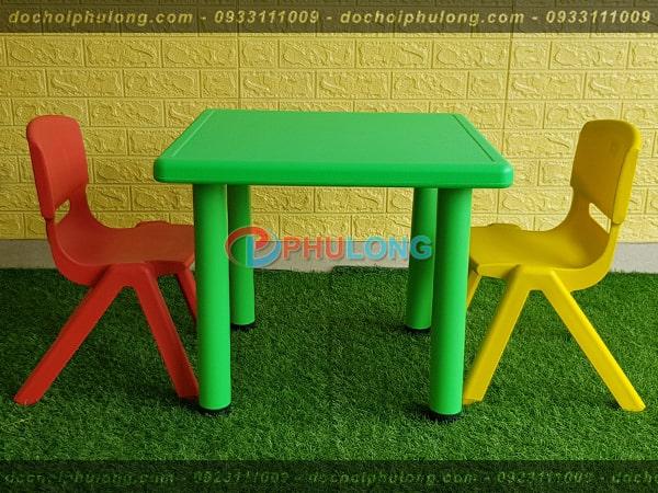 ban-ghe-nhua-cho-be-nhap-khau-pl0102-green